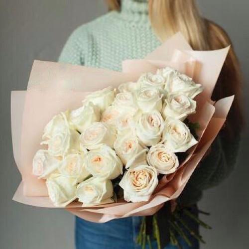 Купить на заказ Букет из 31 белой розы с доставкой в Есиле
