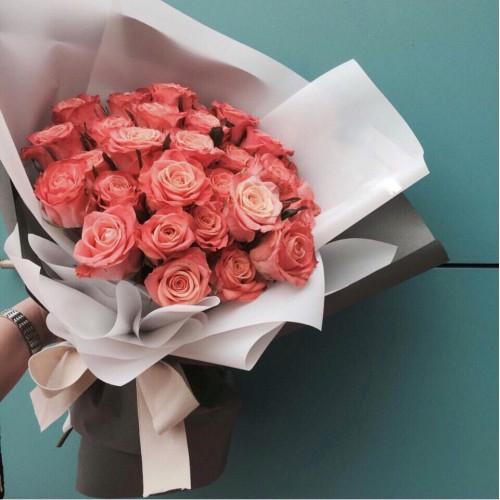 Купить на заказ Букет из 31 розовой розы с доставкой в Есиле