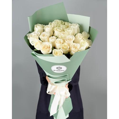 Купить на заказ Букет из 25 белых роз с доставкой в Есиле