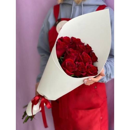 Купить на заказ Букет из 11 красных роз с доставкой в Есиле