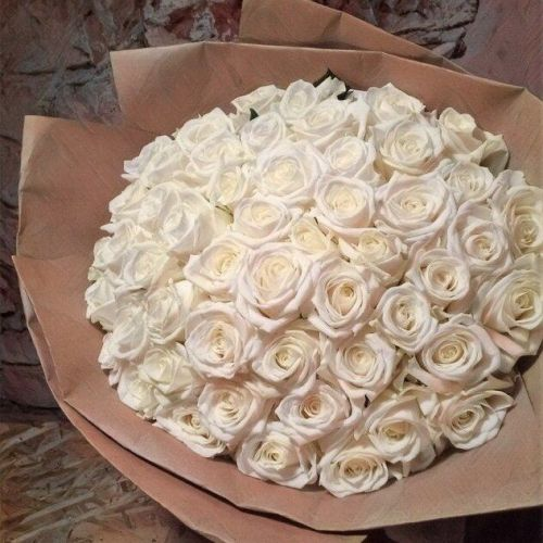 Купить на заказ Букет из 101 белой розы с доставкой в Есиле